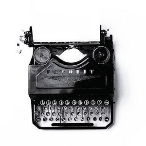 A 1939 Adler Favorit 2 Typewriter on the freelance writing services page of gugulet.hu