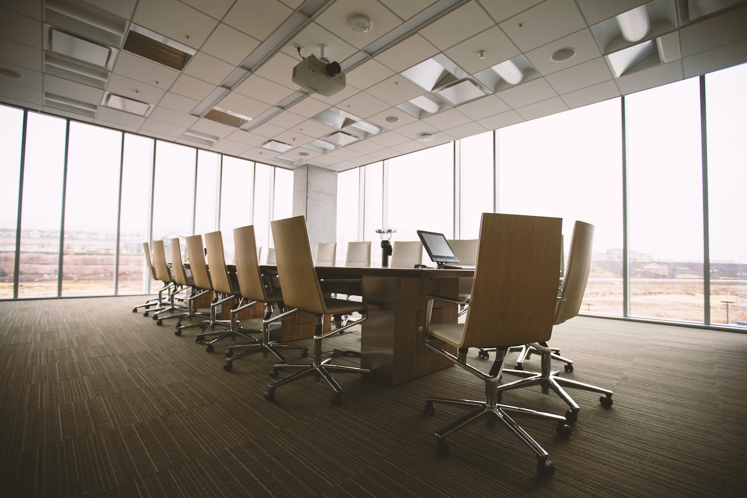 An image of the boardroom in an article about how companies are governed.